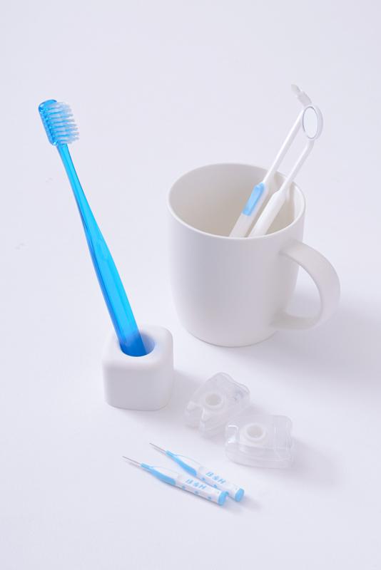 青い歯ブラシと口臭ケアセット